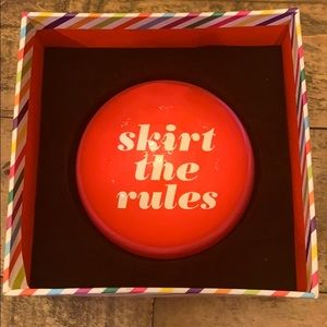 Kate Spade ♠️ Skirt the Rules Paperweight